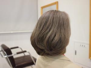 白髪を活用する